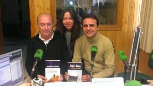 Mónica Rodríguez con dos de sus invitados