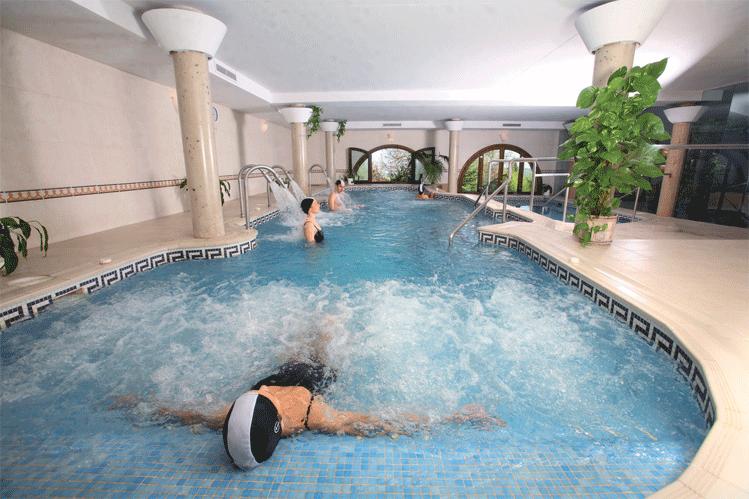 piscina de chorros balneario el bosque